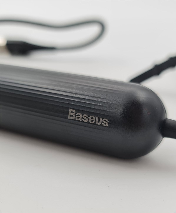 پاوربانک و کابل تبدیل USB به Lightning باسئوس
